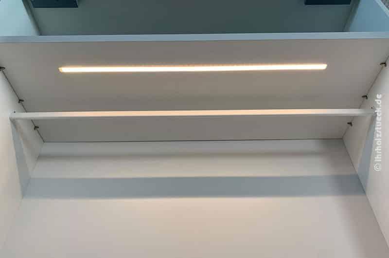 Individuell mit LED-Beleuchtung im Schrank