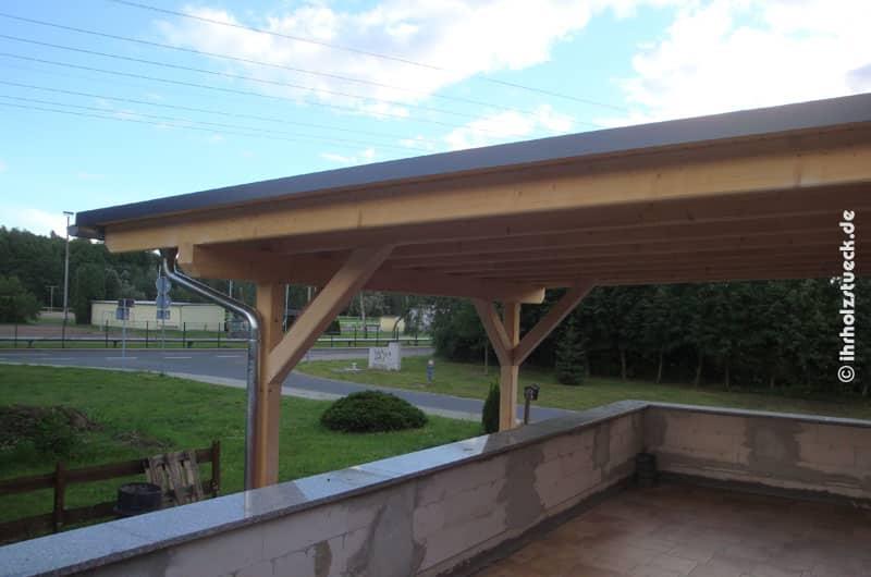 Terrassendach - Dach mit Abkantungen und Dachrinnen