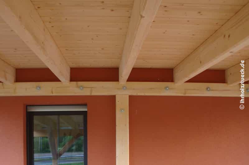 Terrassendach - montierter Träger an der Hauswand