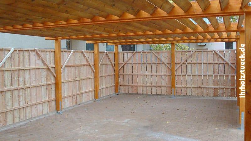 Sicht verdecken mit einer Konstruktion aus Holzteilen