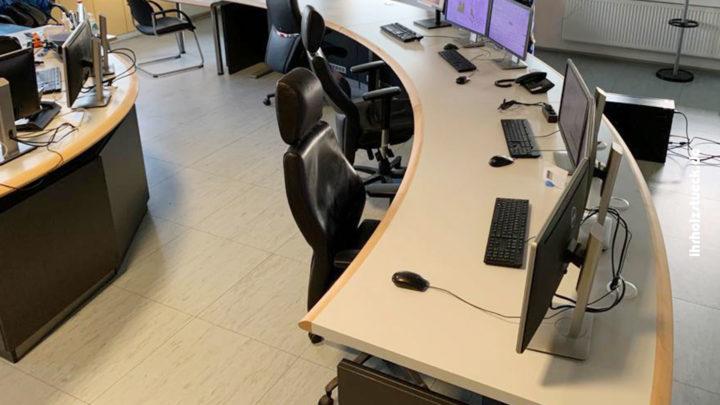 Bau von Funktionsmöbeln und Einrichtung einer Schaltwarte