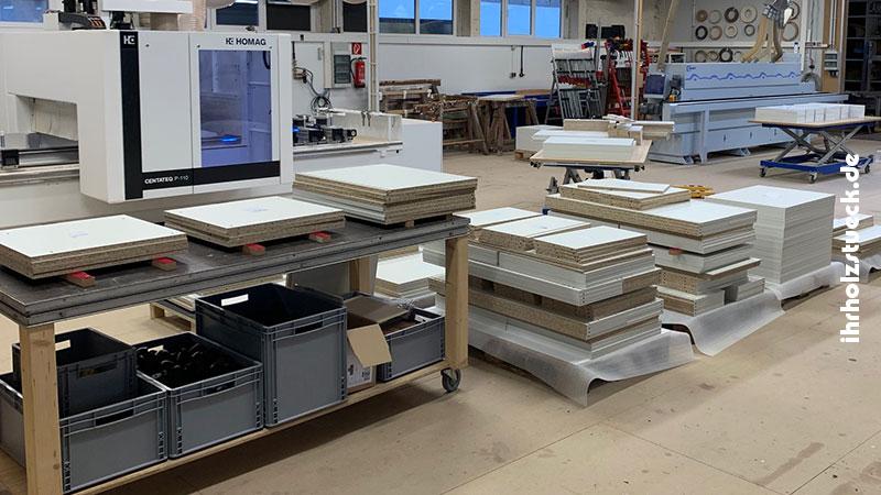 Die mit unseren CNC-Maschinen hergestellten Einzelteile für die Küchen - ihrholzstueck