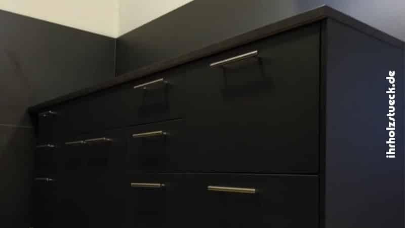 Die Schränke wurden nach Kundenwunsch entworfen und gefertigt.